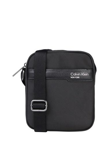 Calvin Klein Calvin Klein Erkek Omuz Askılı Siyah Postacı Çantası Siyah